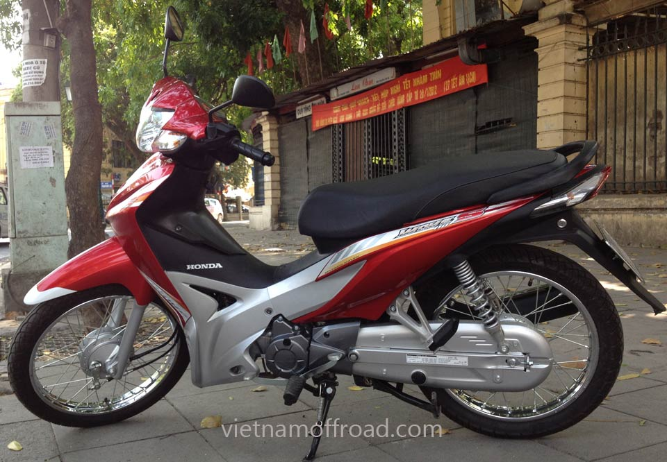 Vietnam Off-road Motorbike Tours - Our Bikes: Honda Wave semi-automatic 110cc scooters Wave S 2012 model