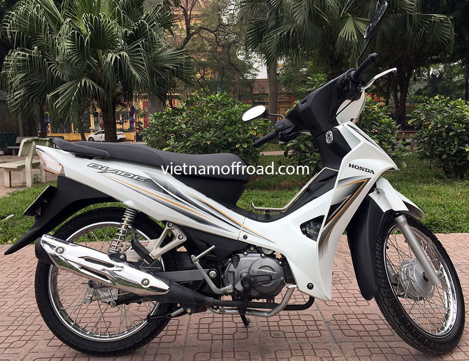 Vietnam Off-road Motorbike Tours - Our Bikes: Honda Blade semi-automatic 110cc scooter 2015 model