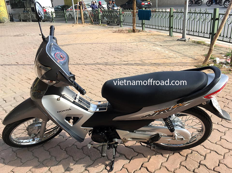Vietnam Off-road Motorbike Tours - Our Bikes: Honda Wave semi-automatic 100cc scooter 2015 model